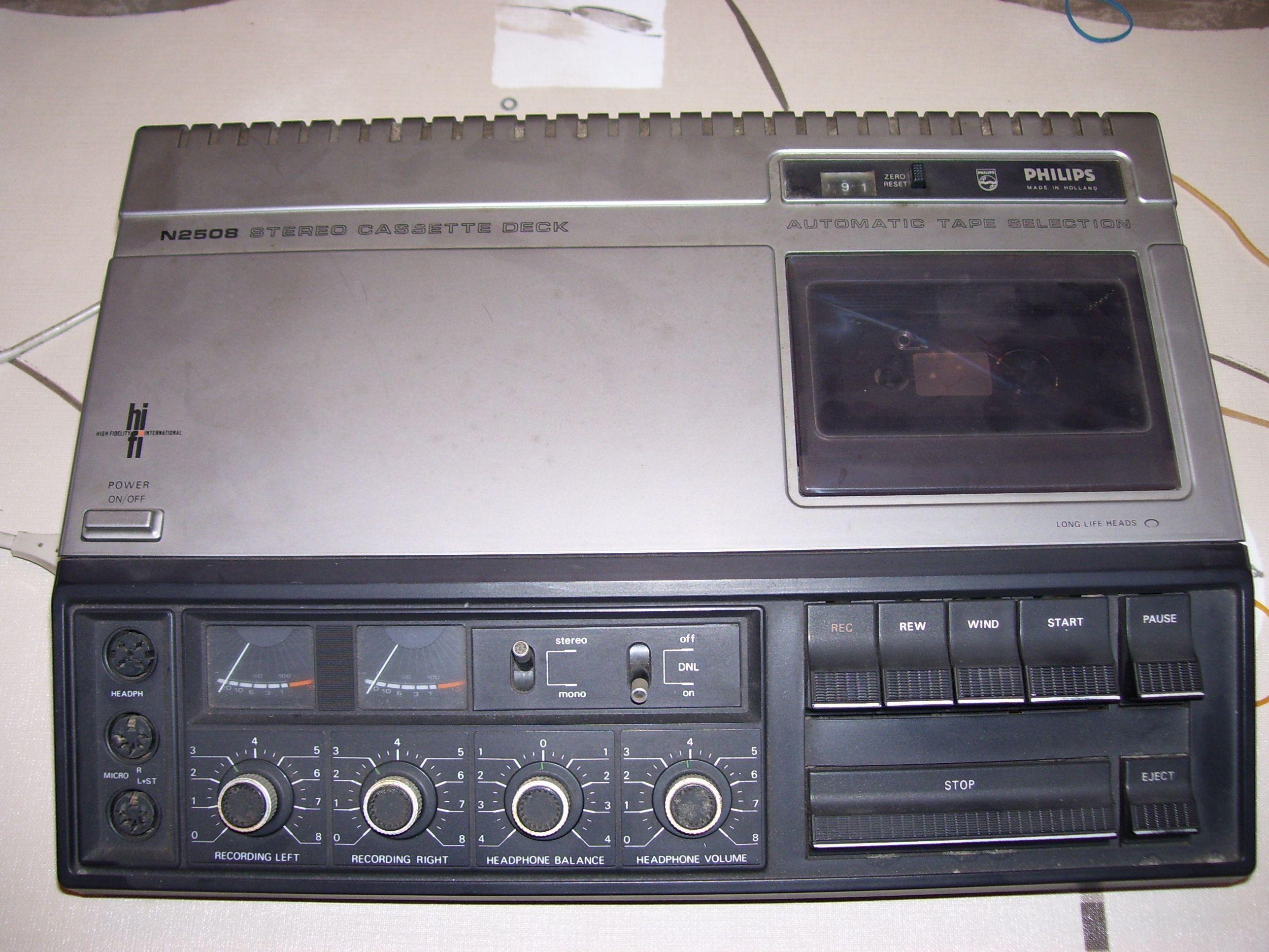comment remplacer courroies lecteur de cassette audio. Black Bedroom Furniture Sets. Home Design Ideas